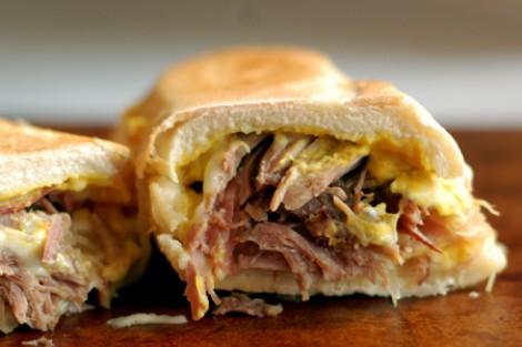 Baguette Pulled Pork Ham en Chaddar kaas v2